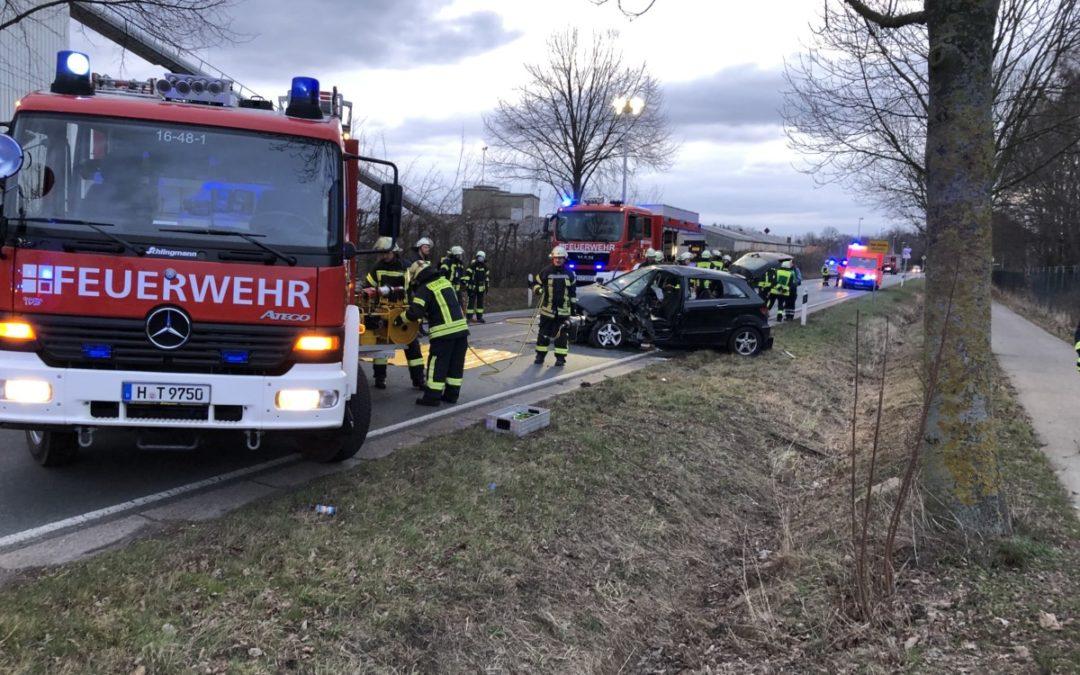 Hilfeleistung – Verkehrsunfall mit eingeklemmter Person