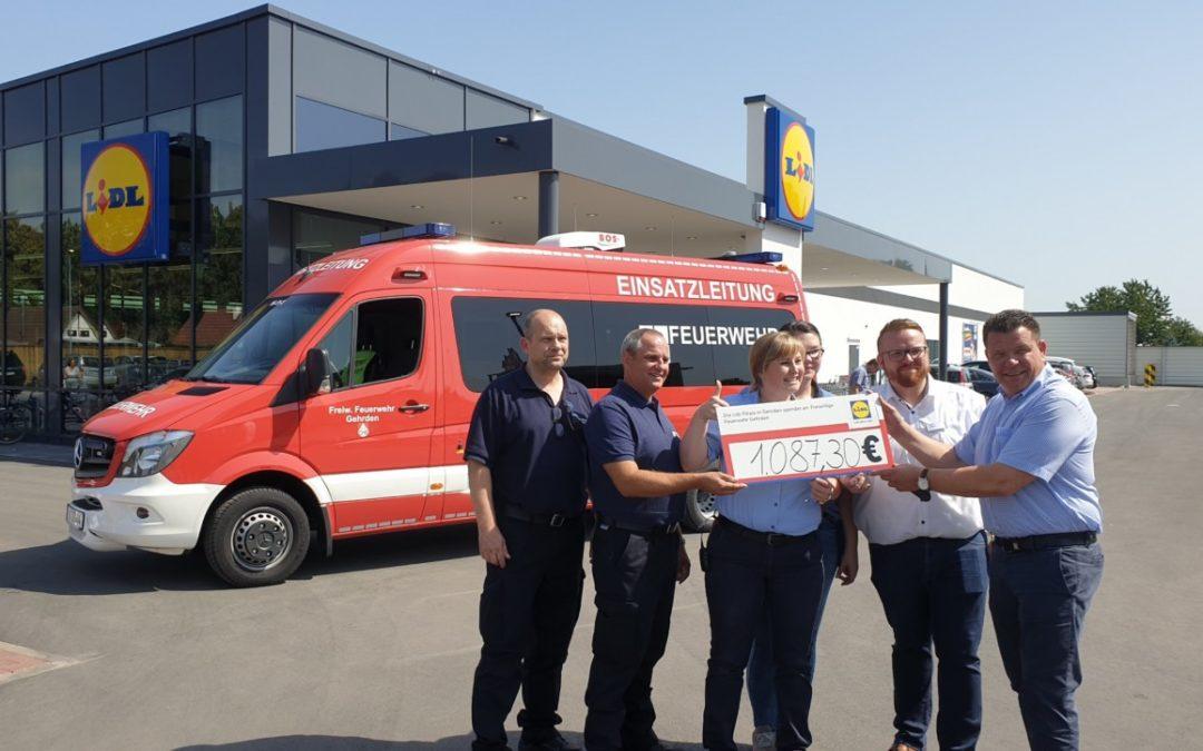 Feuerwehr erhält großzügige Spende bei Eröffnung des neuen Lidl-Marktes