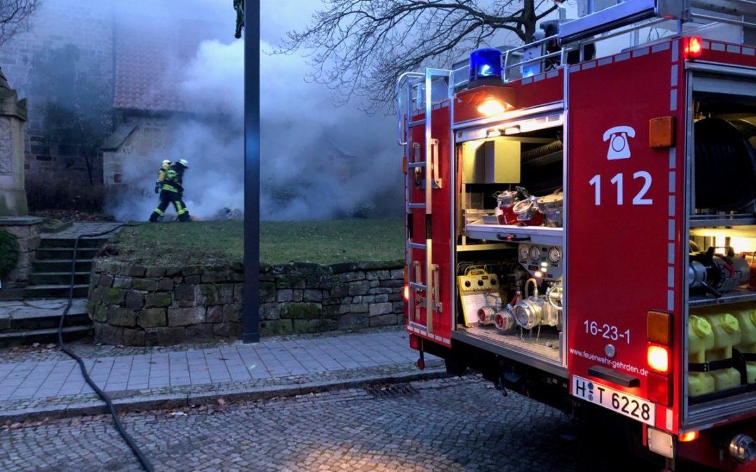 Feuer – brennendes Stroh an der Margarethenkirche